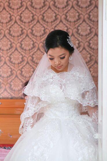 Продаю очень красивое свадебное платье. Надевала только 1 раз