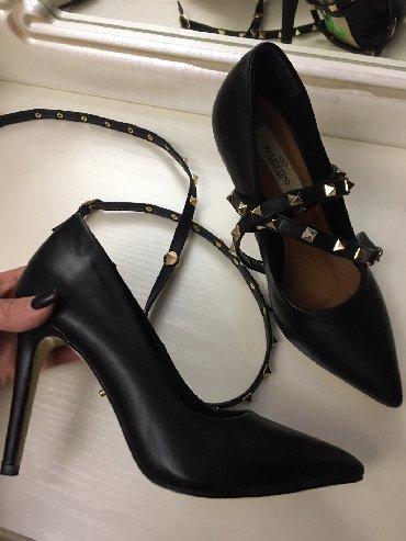 рюкзак valentino в Кыргызстан: Обсолютно новые туфли Valentino. Размер 36 . Отдам за 2000сом