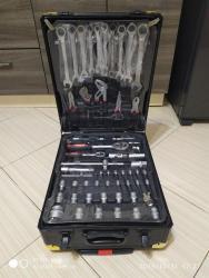 Наборы инструментов - Кыргызстан: Продаю отличный набор инструментов на все случаи технической жизни