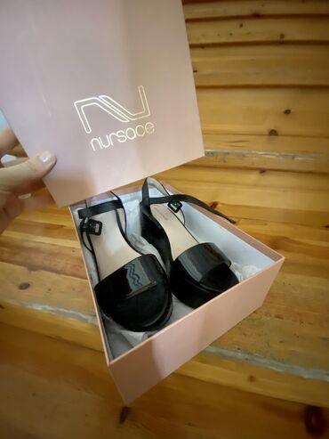 фотоаппарат olympus sp 570uz в Кыргызстан: Чёрные б/у сандалии NURSACE на небольшой платформе (от 1 до 5см
