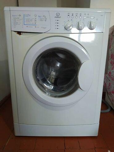 Электроника - Орловка: Срочно продаю стиральная машина Индезит 5 кг, работает отлично. цена