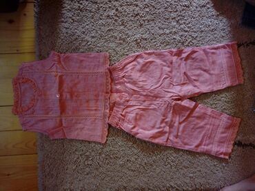 Dečija odeća i obuća | Pancevo: Komplet deciji,vel.4 divan,lagan