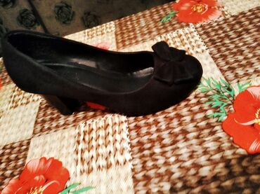 tufli zhenskij cvet в Кыргызстан: Продаю туфли 36 размер