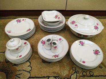 Продаю фарфоровый столовый сервиз производство Корея 36 предметов