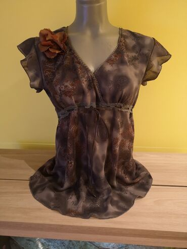 Polo majice - Srbija: Majica, lepo izgleda kad se obuce Pogledajte ostale oglase POVOLJNO