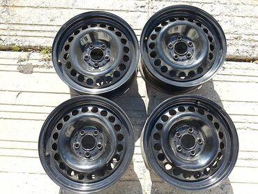 колпак на диски в Кыргызстан: Продаю железные диски с покрышками и колпаками R16 на мерс w124 w210