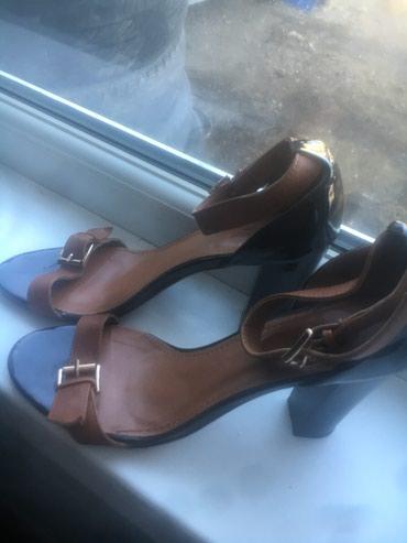 Женская обувь - Теплоключенка: Продаю изящные босоножки на каблуке размер 39. Состояние ИДЕАЛЬНОЕ!