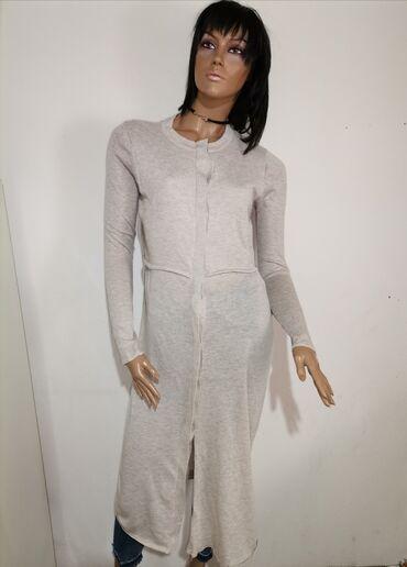 Zimska haljina, moze se nositi i kao kardigan. Nova ne nosena Velicina