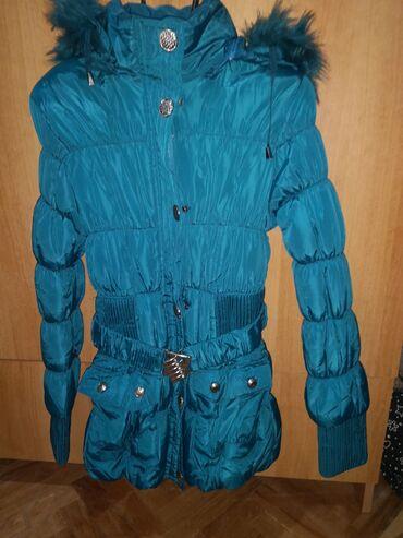 Zimske jakne sa krznom - Srbija: Jakna zimska nova ne korišćena, velicina s, postavljena unutra sa prel