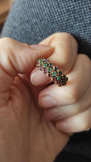 Nakit   Nis: Prodajem unikatni zlatan prsten cistoce 22karata, ima 7 rubina, 8