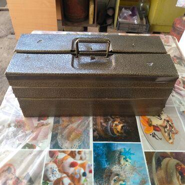 Инструменты в Кыргызстан: Чемодан для инструментов ССР покарашеный полимером в хорошем