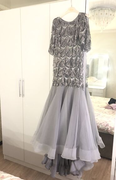 Вечернее платье «Рыбка» с небольшим шлейфом. Было сшито на заказ + тка