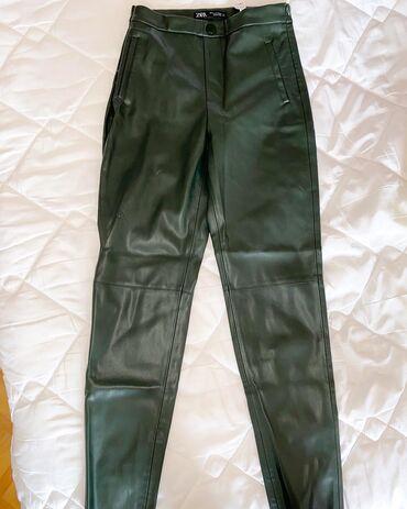 Zara kozne pantalone sa likrom u tamno zelenoj boji, velicina M  panta