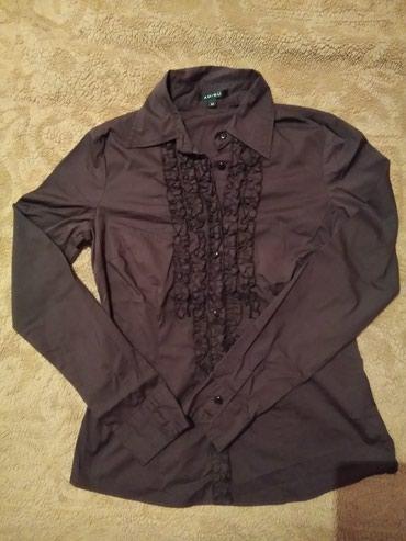 Amisu košulja, M veličine i ima elastina. 500 din. Slike su sa i bez - Kragujevac