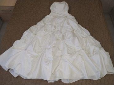 Платье свадебное. одевали на свадьбу 1 раз. Размер 42. в Бишкек