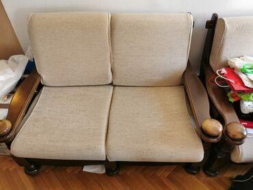Dvosed i dve fotelje, u dobrom stanju, za više informacija pozovite