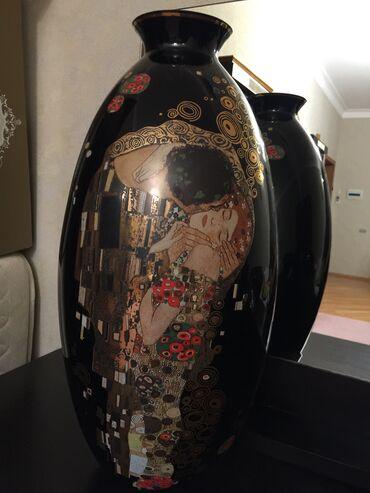 "adlı - Azərbaycan: Guldan (vaza) satilir. Uzerinde Gustav Klimt'in ""Son opush"" adli eseri"