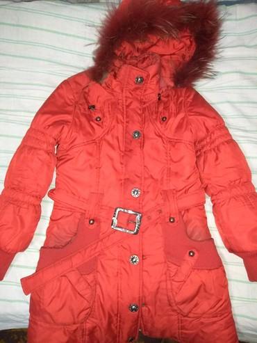 стильную зимнюю куртку в Кыргызстан: Продаю зимнюю куртку. Размер 42-44