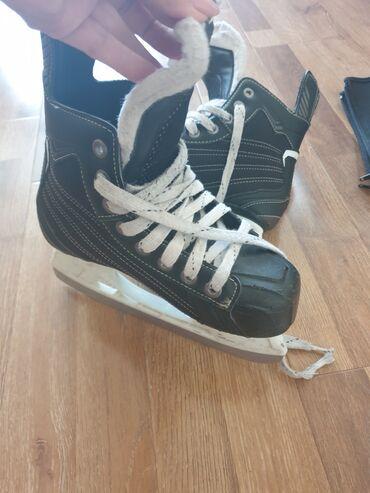Коньки в Кыргызстан: Профессиональные коньки для хоккея фирмы Bauer, размер 35