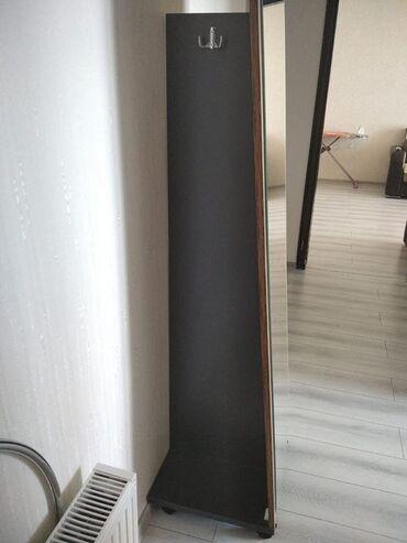Güzgülər - Azərbaycan: Güzgü yeni alınıb,evde yer tutduğu üçün satilir son qiyməti 60 azn