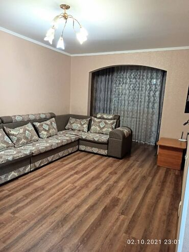 ищу 2 комнатную квартиру in Кыргызстан | ДОЛГОСРОЧНАЯ АРЕНДА КВАРТИР: 106 серия улучшенная, 2 комнаты, 59 кв. м Теплый пол, Лифт, С мебелью