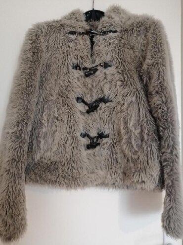 Krzneni kaputi - Nis: 500rsd  Zenska bundica sive boje vestacko krzno nosena. Pogledajt