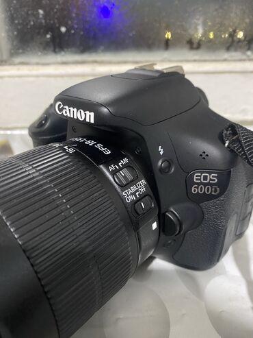 фотоаппараты сони альфа в Кыргызстан: Продаю Canon 600d 18-135mm В новом состоянии не пользовались   Все воп
