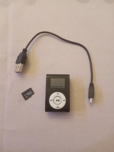 ipod чехол в Азербайджан: MP3 BLACK 2GB YADDAŞLA BİRLİKDƏ AZ İŞLƏNİB. SAMSUNG ADAPTORU GETMİR