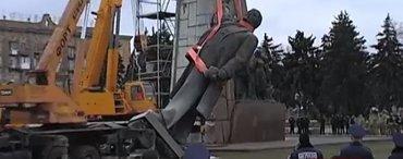 Делаю демонтажные работы.на машине могу везти груз в Бишкек