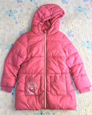 Удлинённая куртка на девочку, на флисовом подкладе, размер на 3, 4