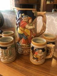 - Azərbaycan: Музыкальный графин и 4 чашки, Производства Япония Musiqili Qrafinka 4
