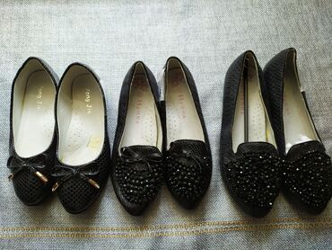 Туфли на девочку лодочка черный лак размеры 34,37,новые последние