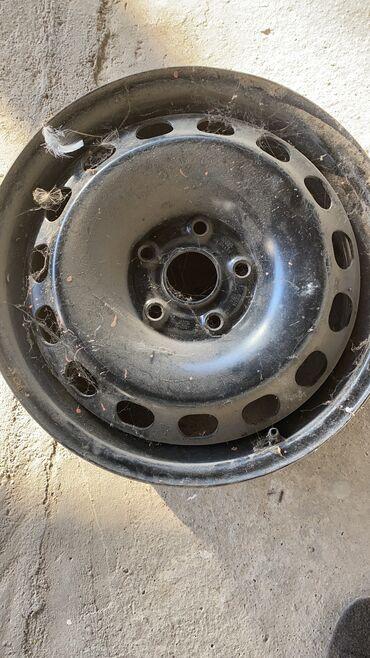 audi a2 16 fsi в Кыргызстан: Куплю железный диск на Audi размер 16