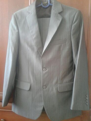 Мужская одежда в Беловодское: Костюм 2ка, б/у 46 размер. Одевали 1раз