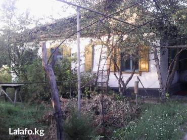 Продаю кирпичный дом. Отопление: газ и уголь. Дом на два отдельных вхо in Бишкек
