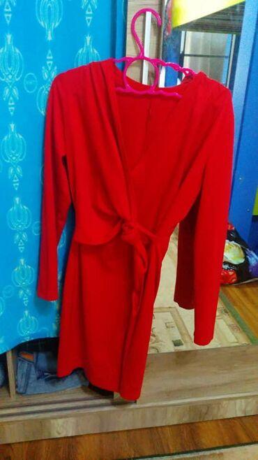 Новое коктельное платье, на 44-46 размерПриятный к телу тонкий
