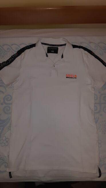 Majica muska m - Srbija: Muska majica sa kragnicom. Nova,nikad nosena. Velicina M