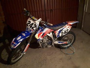 Продаю кроссовый мотоцикл Yamaha yz450f в Бишкек