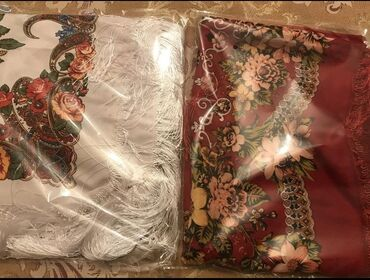 Платки новые шарфы новые в упаковке  платки маленькие - 40 сом  шарфы