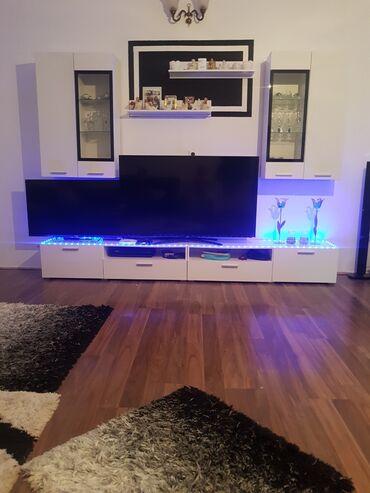 Lcd televizor - Srbija: Prodajem tv smart samsung vrlo malo koriscen retko kad go koristimo da