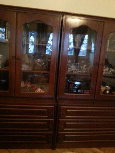 Kredenac | Srbija: Dve vitrine puno drvo sa tri fijoke i duplim vratancima