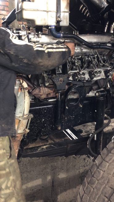 Требуется слесарь по ремонту камазов зарплата 12000 в Бишкек
