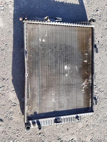 Продаю радиатор целый от мерс w г.в. обьем 2.2 cdi