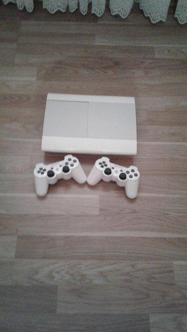 Bakı şəhərində Playstation 3 Super Slim 500 gb yaddasli..Ag rengdedi..3 ayin aydi ali