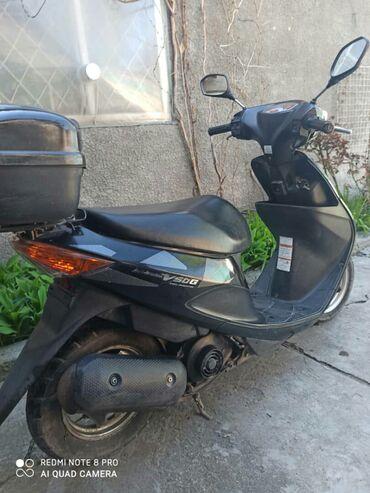 Suzuki в Бишкек: Продам скутер Suzuki 2006года в отличном состоянии  50 кубиков  есть с