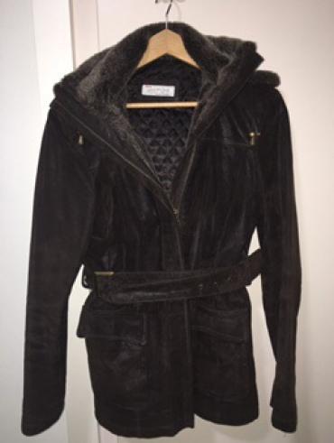 BATA kozna jakna sa krznom, nova - Beograd