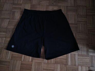 Personalni proizvodi - Jagodina: Muski sorts u crnoj boji.Kao novo, bez ostecenja.Velicina odgovara za