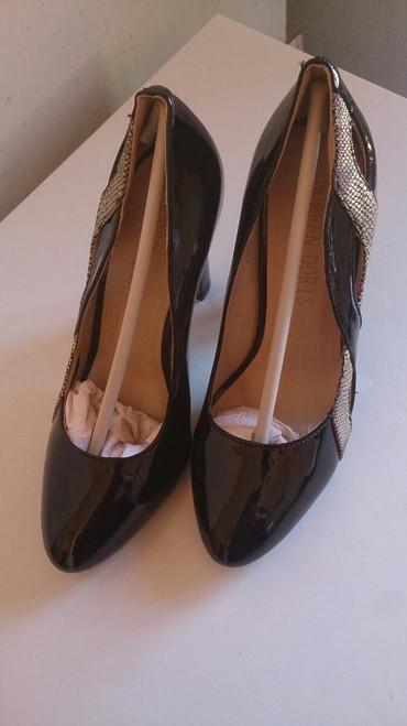 продам очень дёшево в Кыргызстан: Туфли дешево красиво качественный
