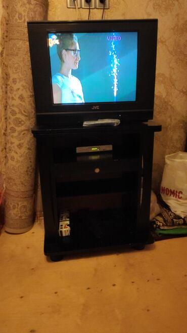 Televizor işlek veziyyetdedir heç bir problemi yoxdur şkafıyla beraber