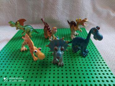 Barbie set - Crvenka: Set dinosaurusa,puna meka plastika,6 komada u savršenom stanju
